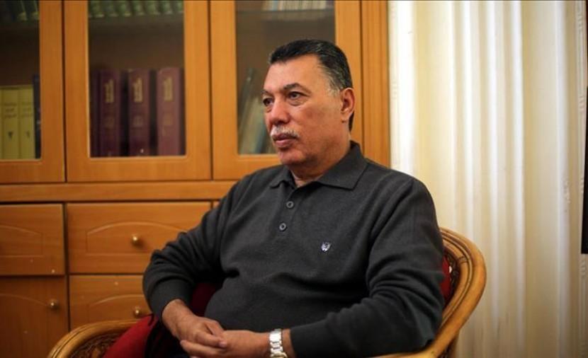 عباس يعفي حلس من مهامه ويتوجه لتعيين أعضاء جدد بالمركزية