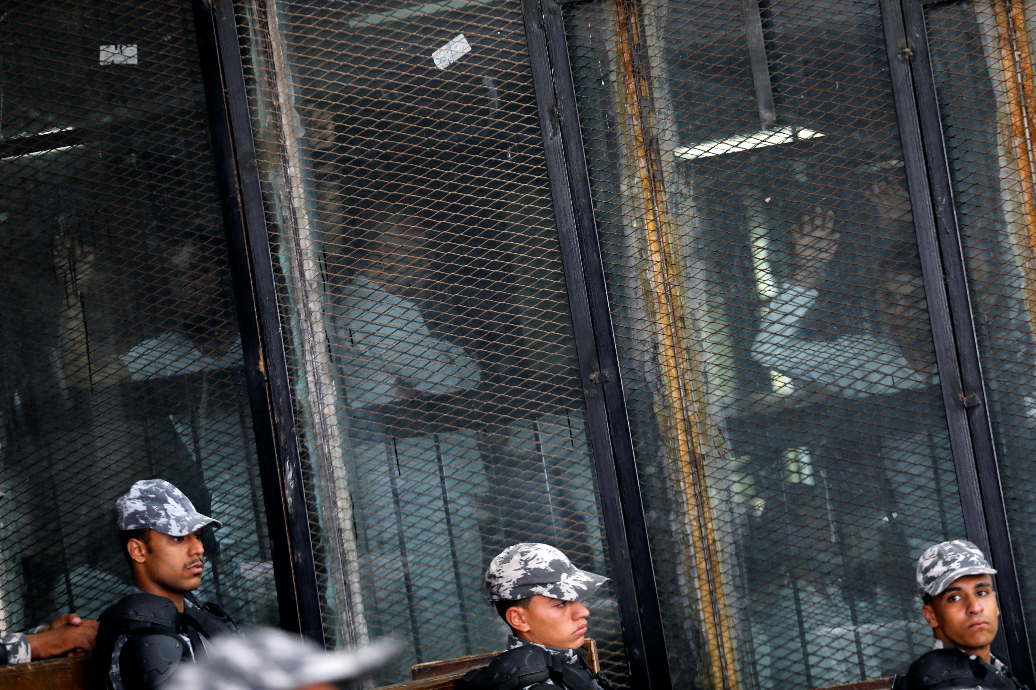 مصر تنفذ حكم الإعدام بحق 9 متهمين في قضية اغتيال النائب العام