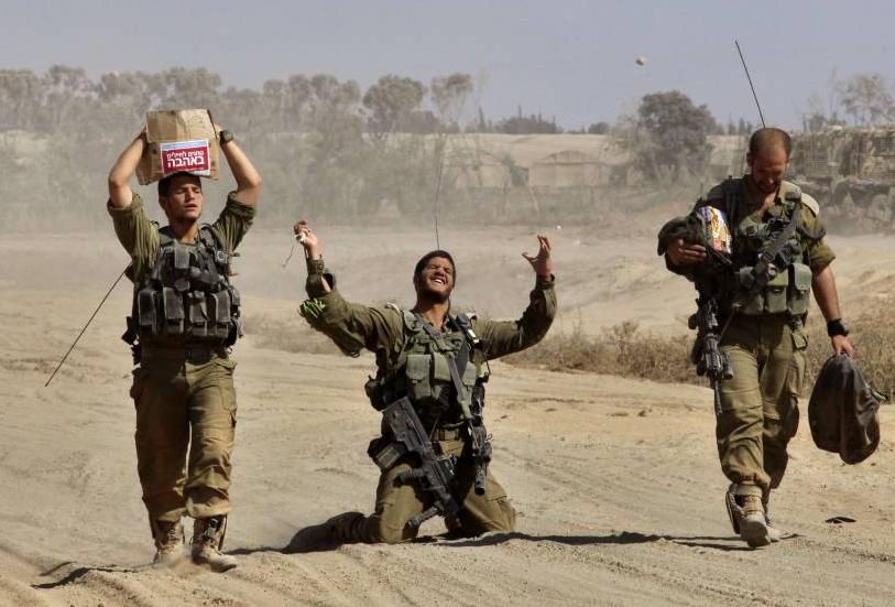 """جنود إسرائيليون يرون """"معاناتهم"""" بعد قتالهم في غزة"""