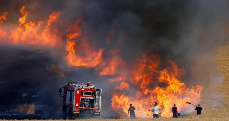 حرائق في غلاف غزة بفعل البالونات الحارقة