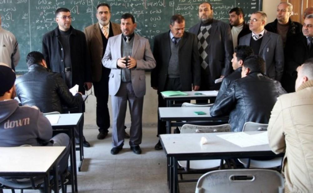 التعليم: تسهيلات للخريجين للتسجيل بامتحان التوظيف