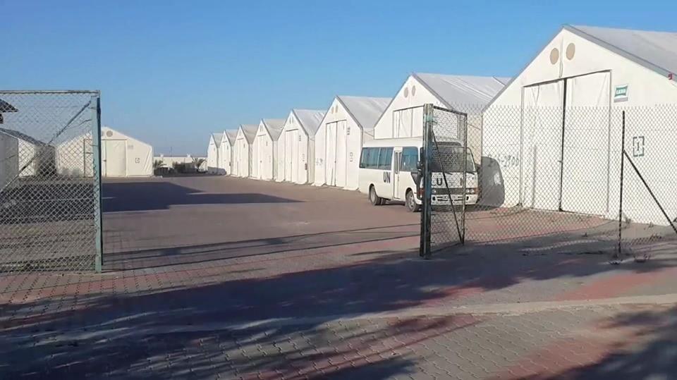 """وكالة الغوث تنوي نقل """" الصناعة"""" إلى بركسات في خان يونس"""