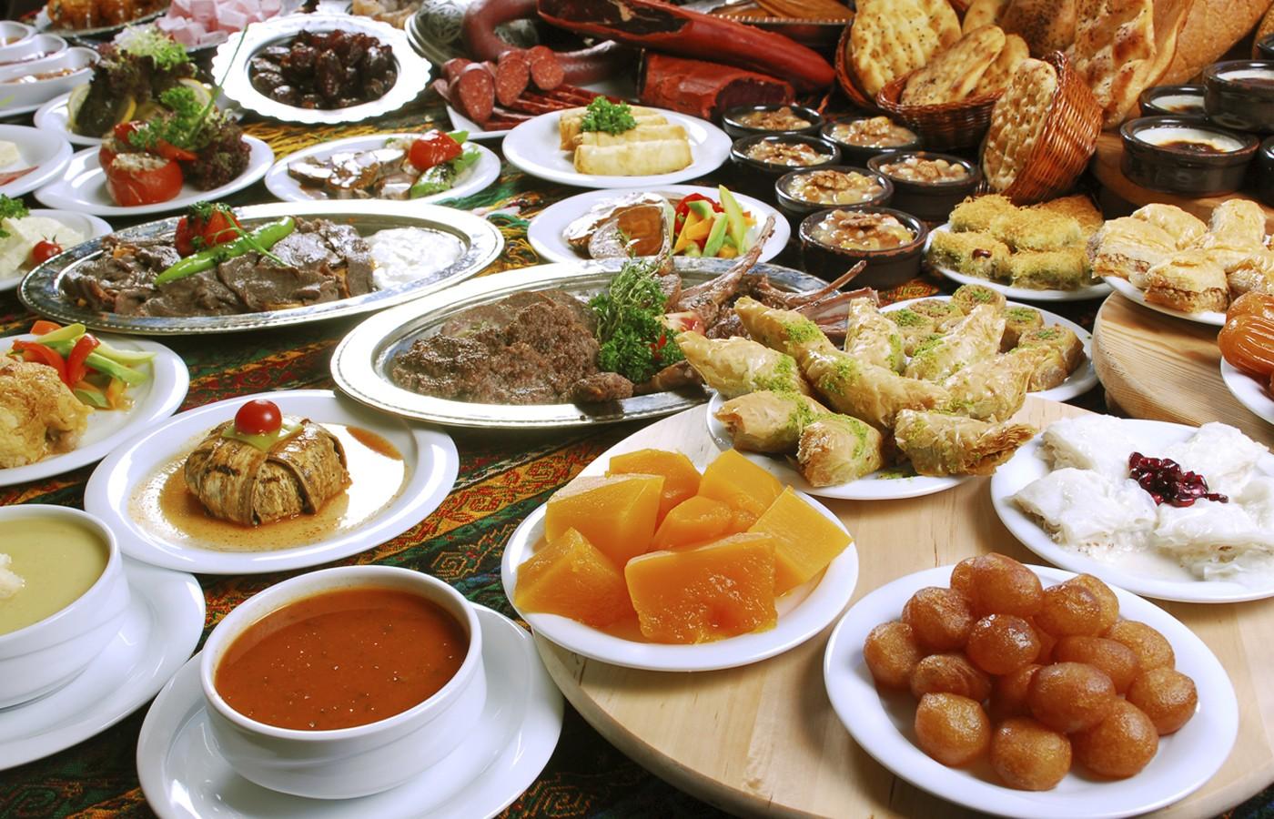 10 نصائح تقيك التخمة في العيد؟