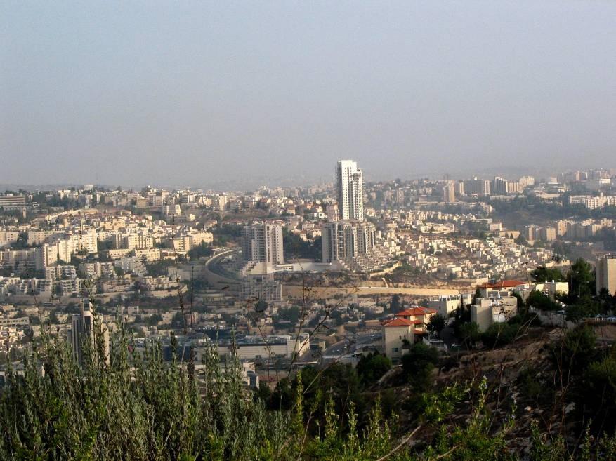 سلطات الاحتلال تصادق على بناء 2016 وحدة استيطانية بالقدس