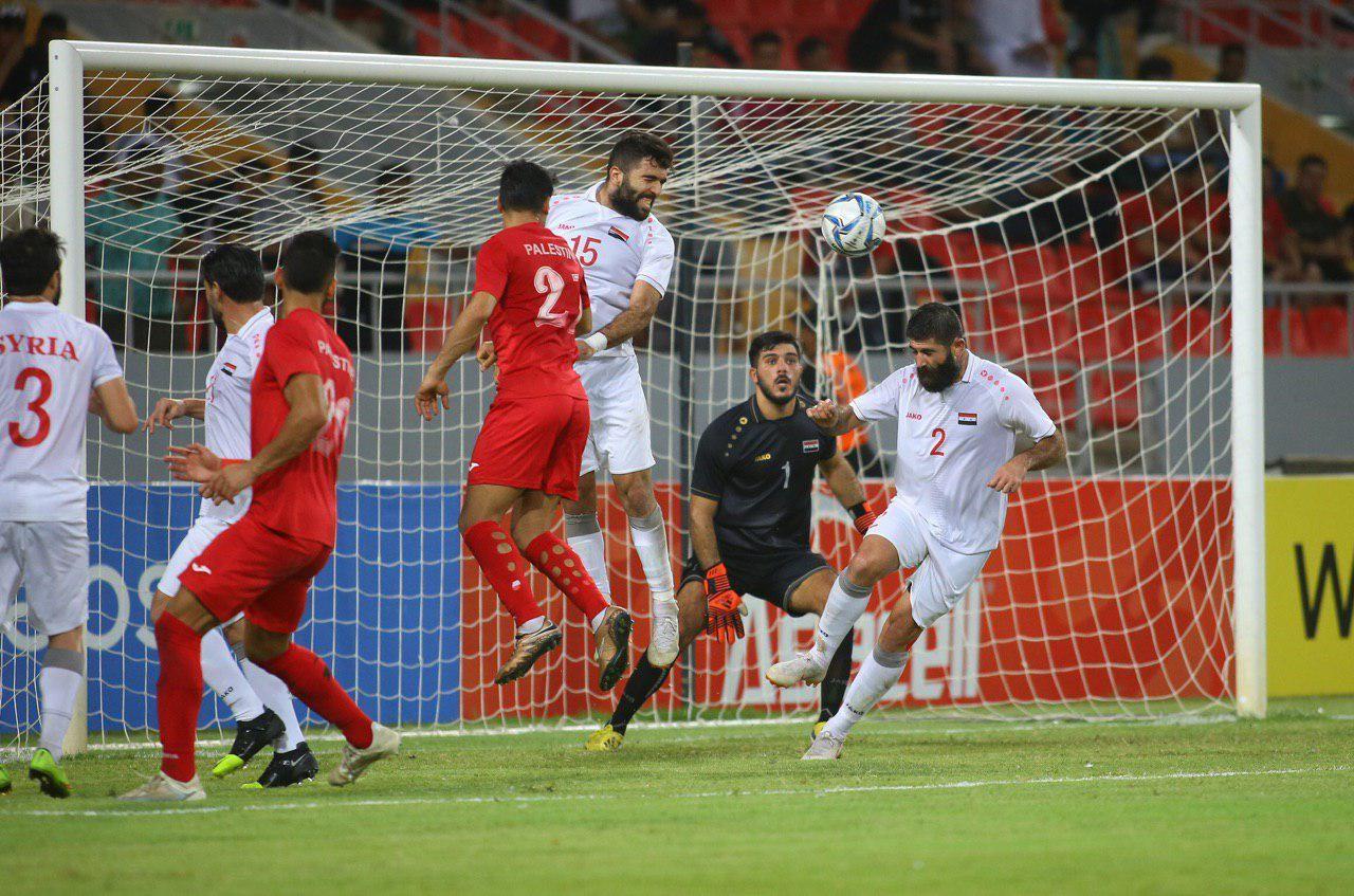 جانب من مباراة فلسطين وسوريا