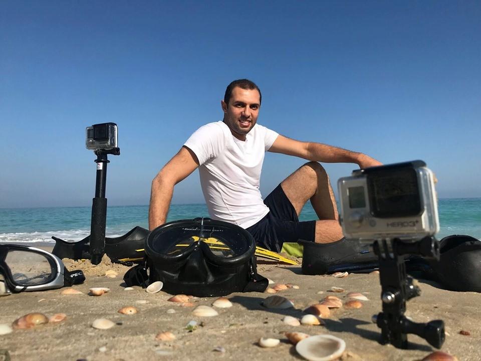 المصور أسعد يوثق عمق البحر بعدسته