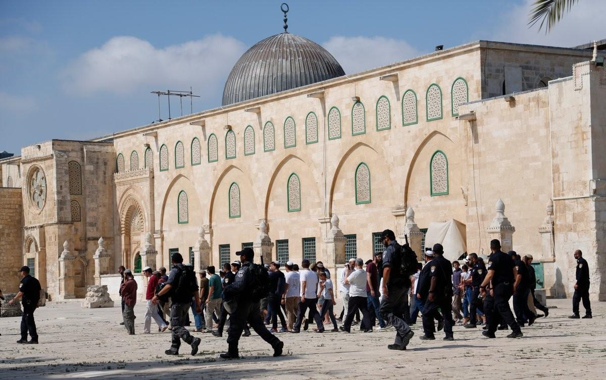 أكثر-من-3800-مستوطن-اقتحموا-المسجد-الأقصى-في-يوليو.jpg