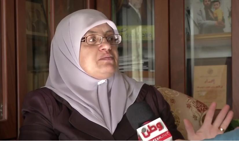 منتهى الطويل زوجة الأسير المعتقل داخل سجون الاحتلال الإسرائيلي جمال الطويل