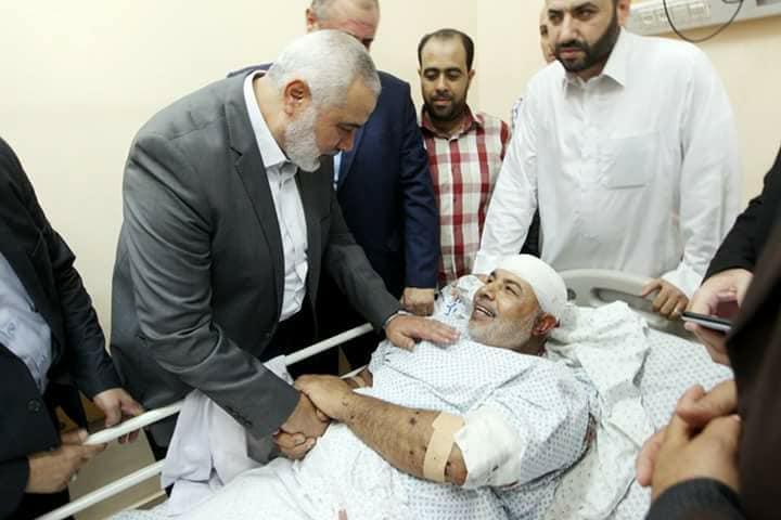 زيارة رئيس حماس إسماعيل هنية للواء أبو نعيم بعد محاولة الاغتيال