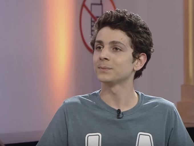 الفتى عمرو مسكون