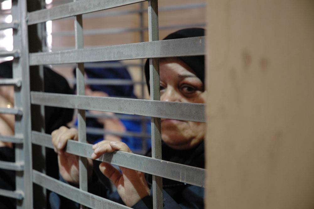 """البرد ينهش أجساد الأسيرات في """" سجن هشارون """""""
