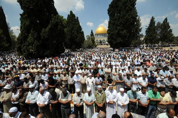 الرسالة نت - 200مواطن يغادرون غزة للصلاة بالأقصى